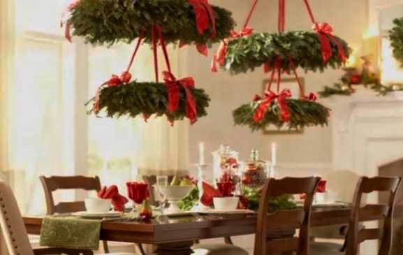 hanging christmas wreath chandeliers creative winter holiday decoration idea - Christmas Chandelier Decorations