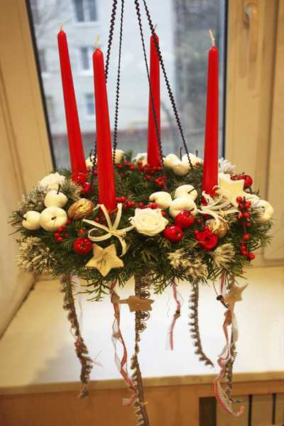 Novel christmas home decoration ideas christmas wreath chandeliers 2 put small and large wreaths together aloadofball Gallery