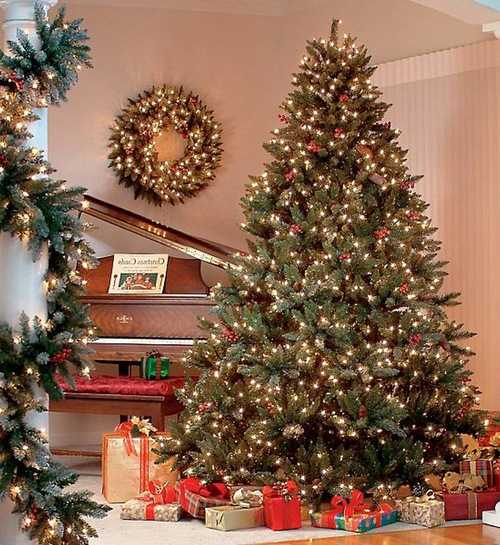 traditional and retro christmas tree decoration ideas - Photos Of Decorated Christmas Trees