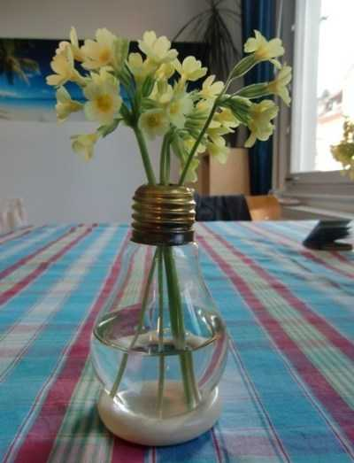 glass bulb vase for table decorating with flowers