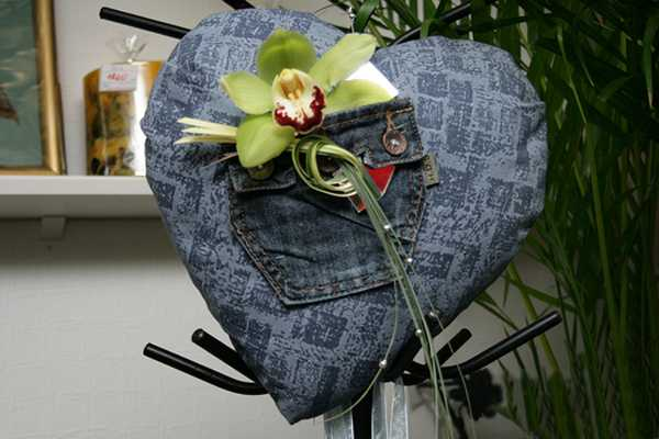 fabric heart decorated with flower, craft ideas for valentines day