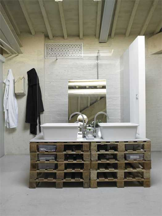 bathroom furniture made from wood pallets