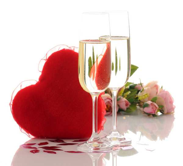 two glasses and red heart, valentines day table centerpiece idea