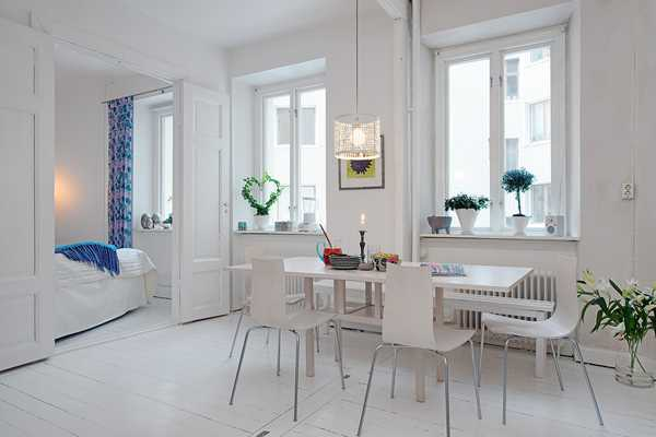 Light Interior Design and White Decorating in Scandinavian ...