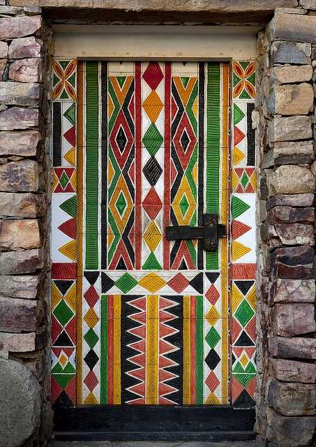 Personalizing exterior doors with bold paint colors and original decorating design - Exterior paint manufacturers decoration ...
