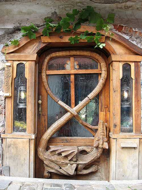 20 Antique Metal And Wood Exterior Doors Bringing Charm Of