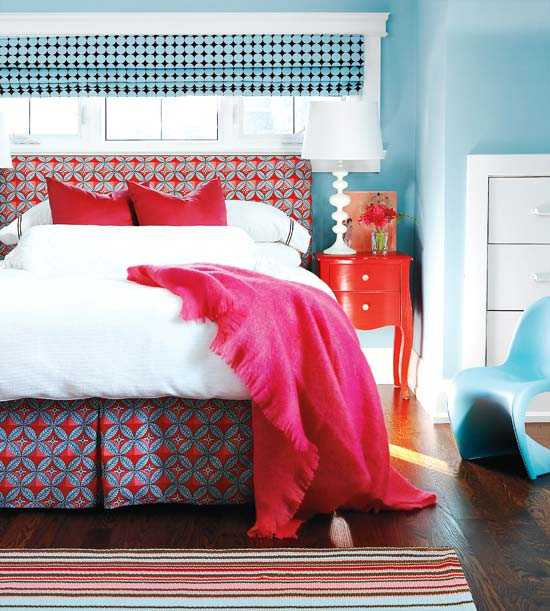 Blue Color Schemes Enhancing Modern Bedroom Decorating