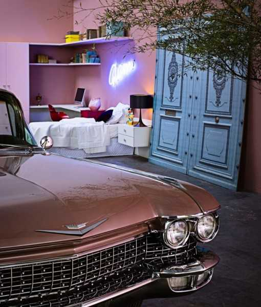 bedroom decor and interior decorating ideas, antique door and vintage car in pink color
