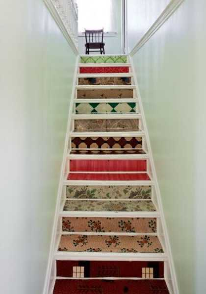 Adding Beautiful Wallpapers to Stairs Risers for Original ...