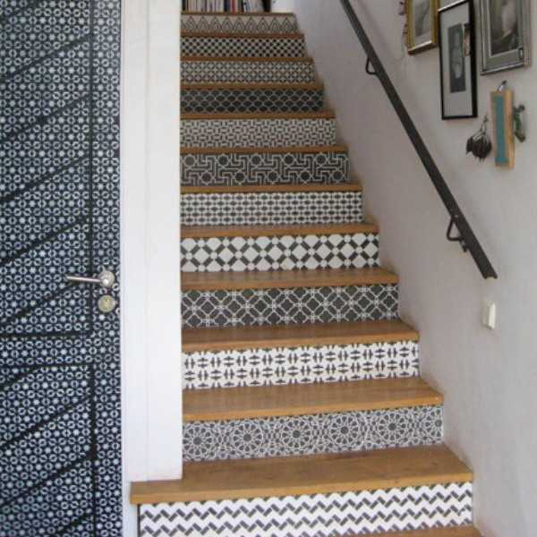 Stair Steps Ideas: Adding Beautiful Wallpapers To Stairs Risers For Original