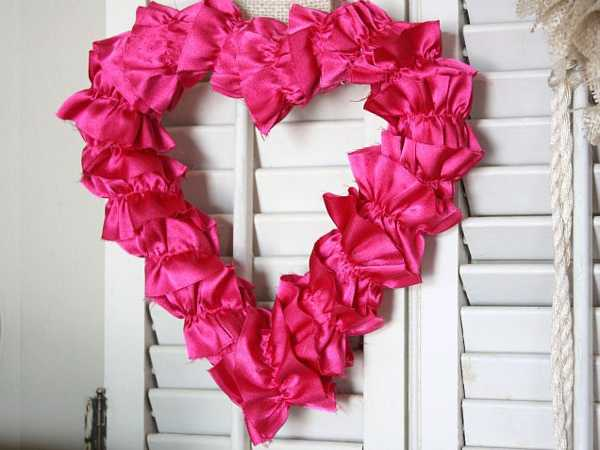 larhe heart decoration