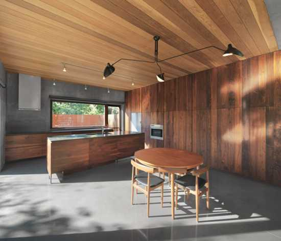 Spacious Canadian House Design Mixing Wood And Concrete