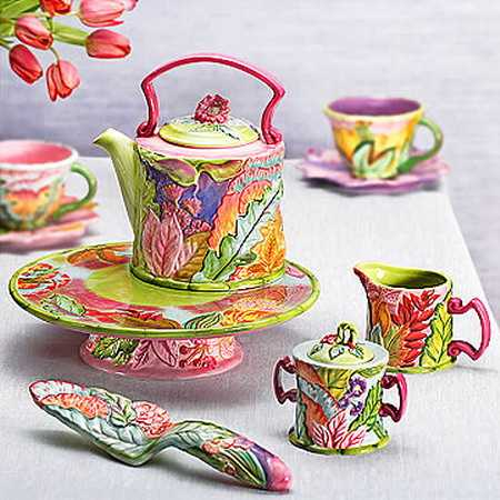 Colorful Modern Tableware For Dining Table Decoration In Whimsical Style