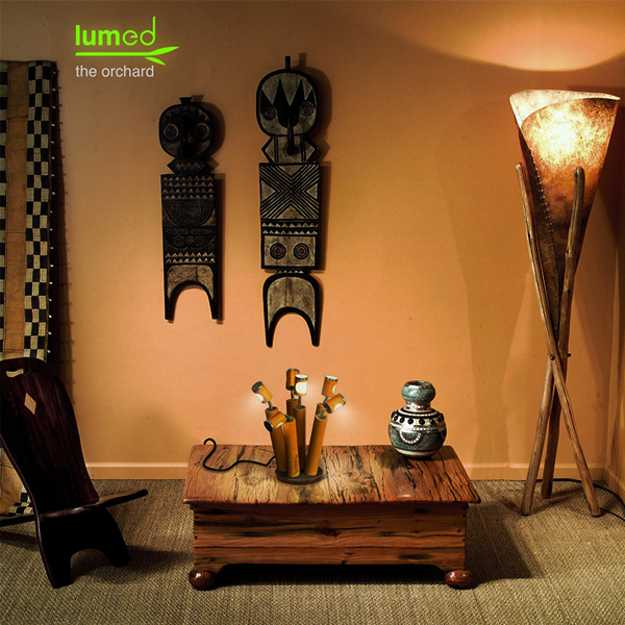 oriental interior decorating with table lamp made with bamboo
