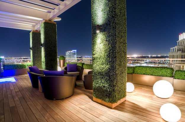 Green Wall Design, Bold Outdoor Lights, Contemporary Garden Furniture