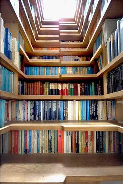 Creative Staircase Design With Book Shelves