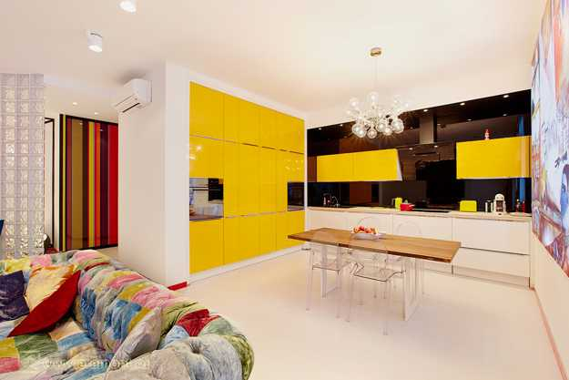 Lushome & Bright Room Colors and Bold Decorating Color Schemes for Modern ...