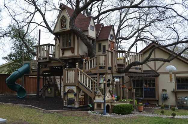 castle like treehouse design