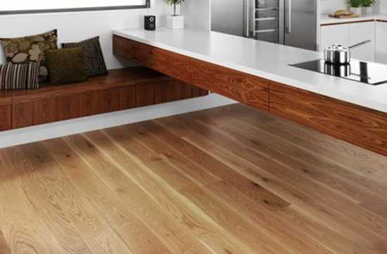 Top 8 stylish green flooring ideas offering cost effective for Wood flooring kitchen ideas