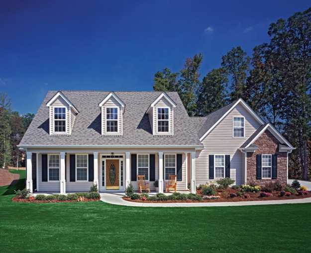 Feng shui home for wealth with bright and open front yard for Exterior front yard landscaping ideas
