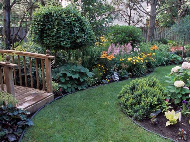 25 Beautiful Backyard Landscaping Ideas and Gorgeous ... on Backyard Garden Design id=79448