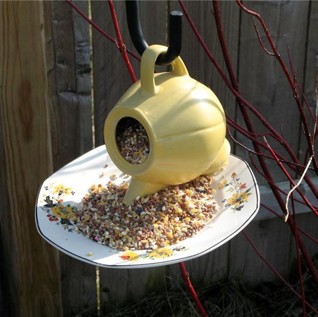 handmade bird feeder, craft ideas for kids and adults