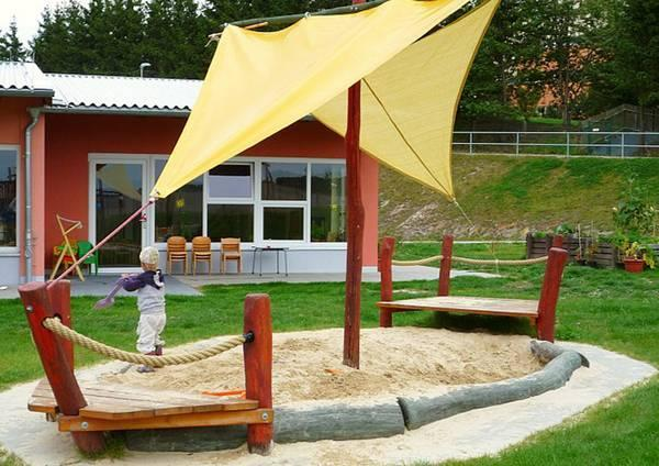 Home Design Backyard Ideas: Pirate Ship Play House Design Adding Fun To Kids Backyard