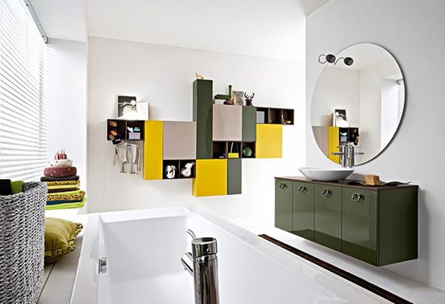 Inside a Bathroom Makeover With Bright Green Tiles ...