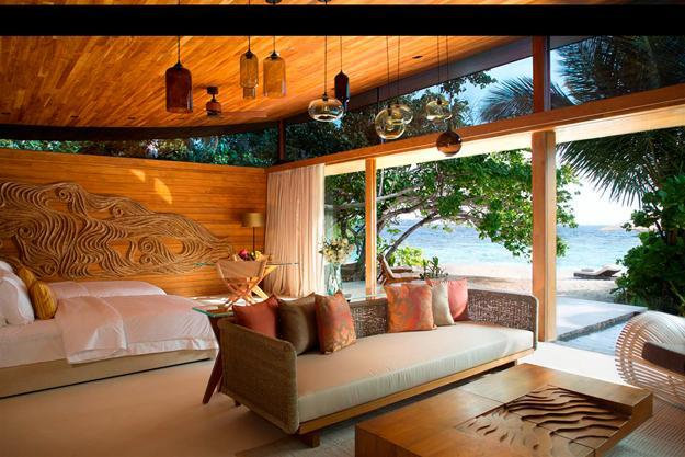 Modern Interior Design Ideas to Steal Creating Tropical Paradise