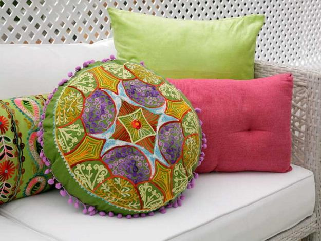 Bright Pink And Green Colors For Outdoor Home Decorating In Romantic