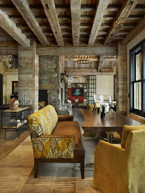 Country Home Interior Design: Interior Design With Reclaimed Wood And Rustic Decor In
