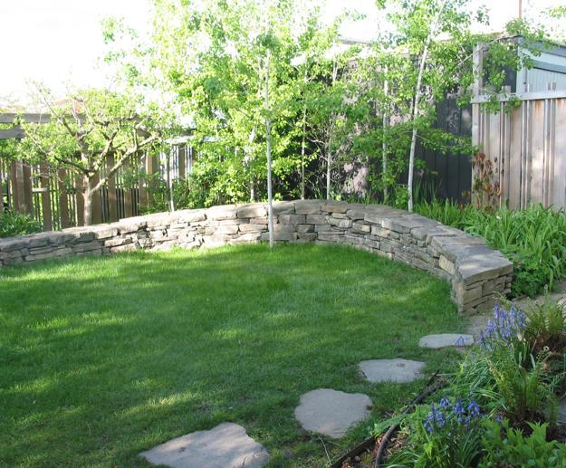 30 Stone Wall Pictures and Design Ideas to Beautify Yard ... on Backyard Wall Design id=57354
