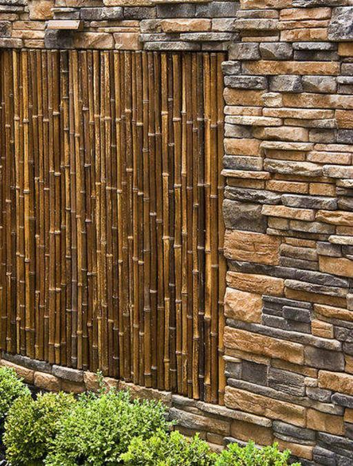 Gorgeous Idea For Building A Bamboo And Stone Wall