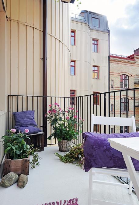 balcony decorating in scandinavian style