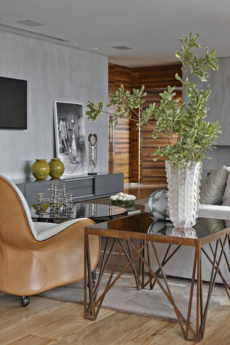 Color Outside The Lines Small Living Room Decorating Ideas: Contemporary Apartment Ideas Soften With Rustic Wood And