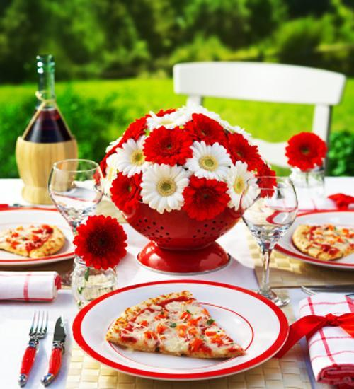 flower centerpieces white and red colors