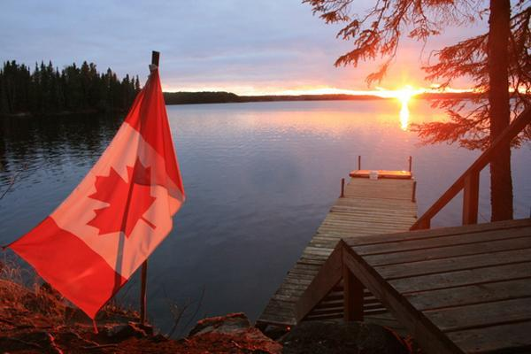 33 Canada Day Party Decorations and Ideas for Outdoor Home ... on Backyard Decor Canada id=48309