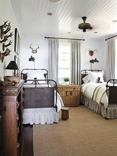 Summer home decorating ideas inspired by rustic simplicity for Cottage bedroom designs