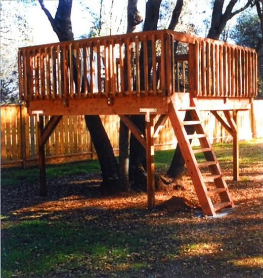 12 Great Ideas For A Modest Backyard: 30 Tree Perch And Lookout Deck Ideas Adding Fun DIY
