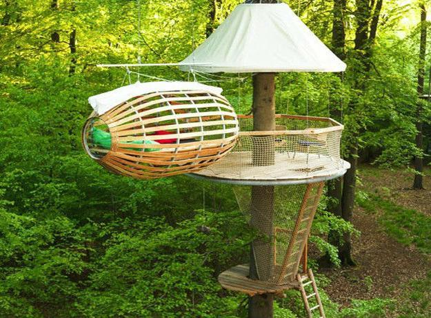 30 Tree Perch and Lookout Deck Ideas Adding Fun DIY ...
