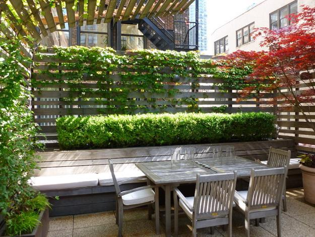 30 Green Backyard Landscaping Ideas Adding Privacy to Outdoor Living ...