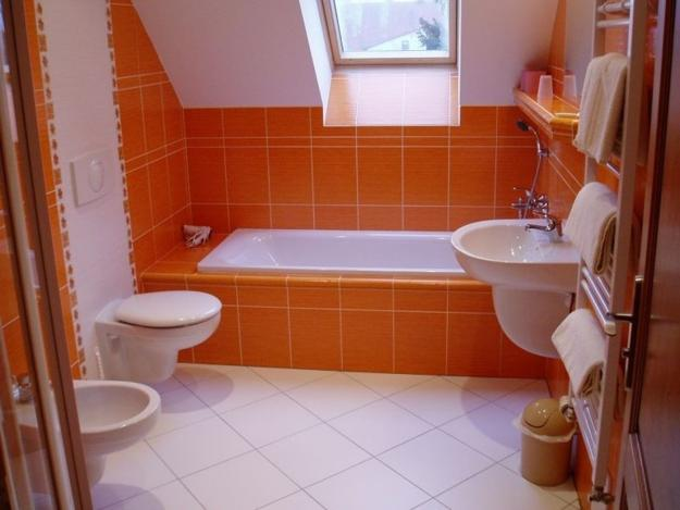 How to move toilets in bathrooms 30 home staging and for Small bathroom design principles