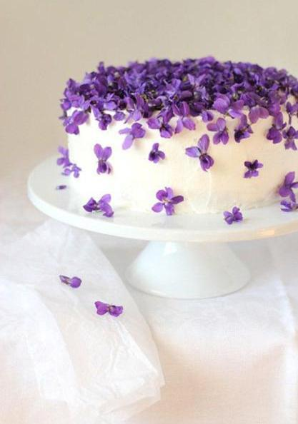 Cake Decorating Edible Decorations : Fabulous Ideas for Cake Decoration with Edible Flowers