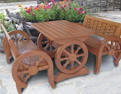 Unique Wooden Bench Decorating Ideas To Personalize Yard