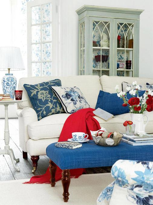 Nautical Decor In Red White And Blue Colors Offer Great Ideas For Patriotic Home Decoration