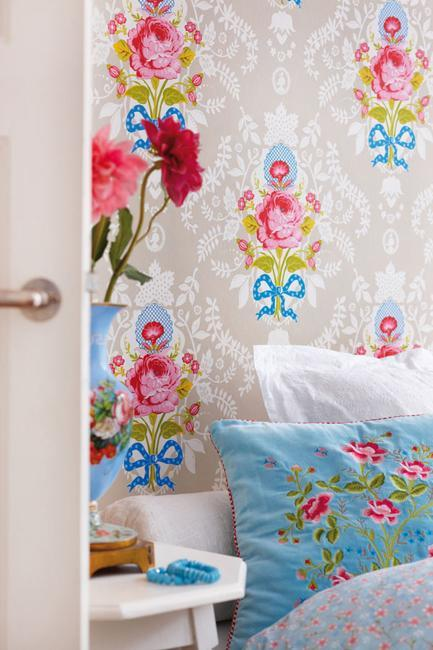 Modern Wallpaper With Colorful Floral Designs For