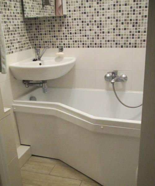 Corner bathroom sinks creating space saving modern bathroom design for Compact sinks for small bathrooms