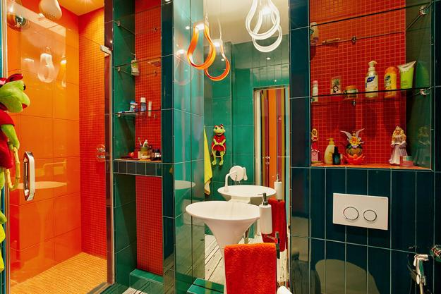 Floor And Wall Tiles In Green Orange Colors Bright Contemporary Bathroom Design