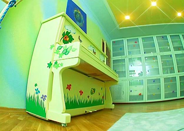 painting piano and decorating with decals