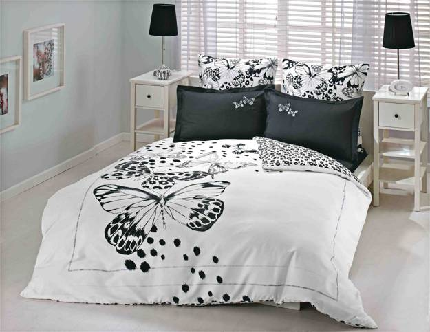 Black And White Bedding Set With Erflies Prints